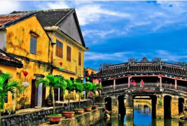 Hue to Hoi An for 1 day (Top grear tour) (or Hoi An to Hue)